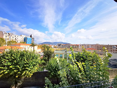 Apartment Nice 3 rooms 80 m2 12m² TERRACE / Clear view / Cellar / Parking For Rent
